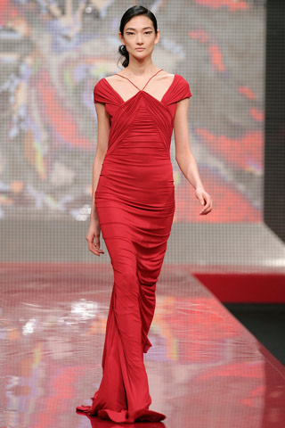 Red Laroche gown on the FW 2007-8 runway