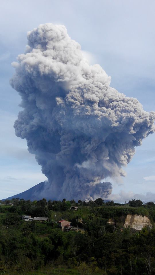 Gunung Sinabung 15 September 2015