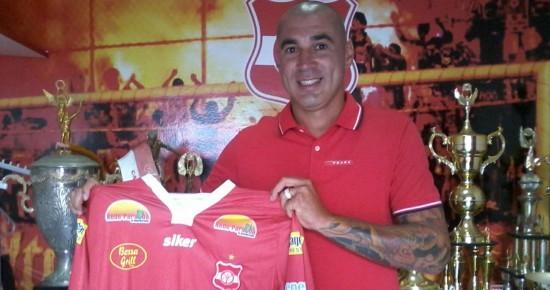 Aos 37 anos e com passagem pela Seleção Brasileira, Fábio Bilica é apresentado pelo Auto Esporte