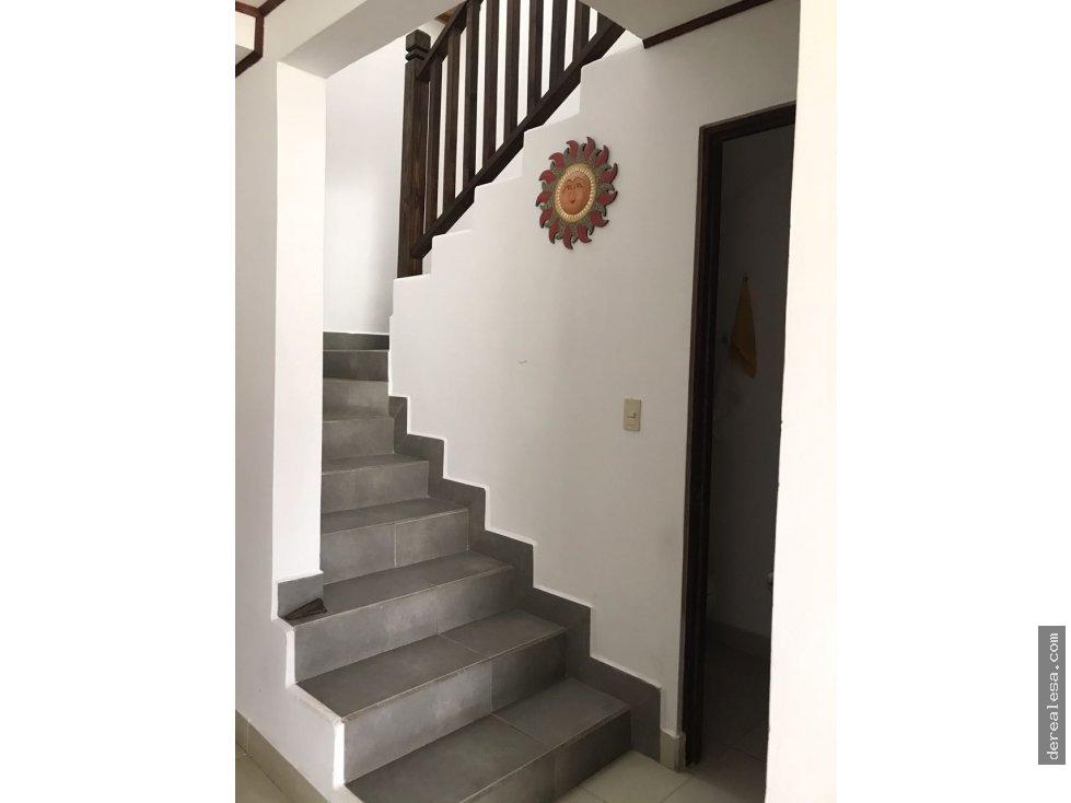 Bella casa dos plantas en Lagunilla de Heredia