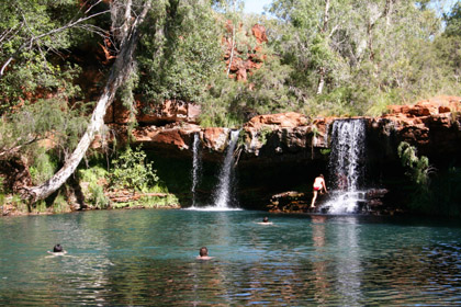 Rio has pulled its application to build a jet-compatible airport at Tom Price, the gateway to spectacular Karijini National Park.