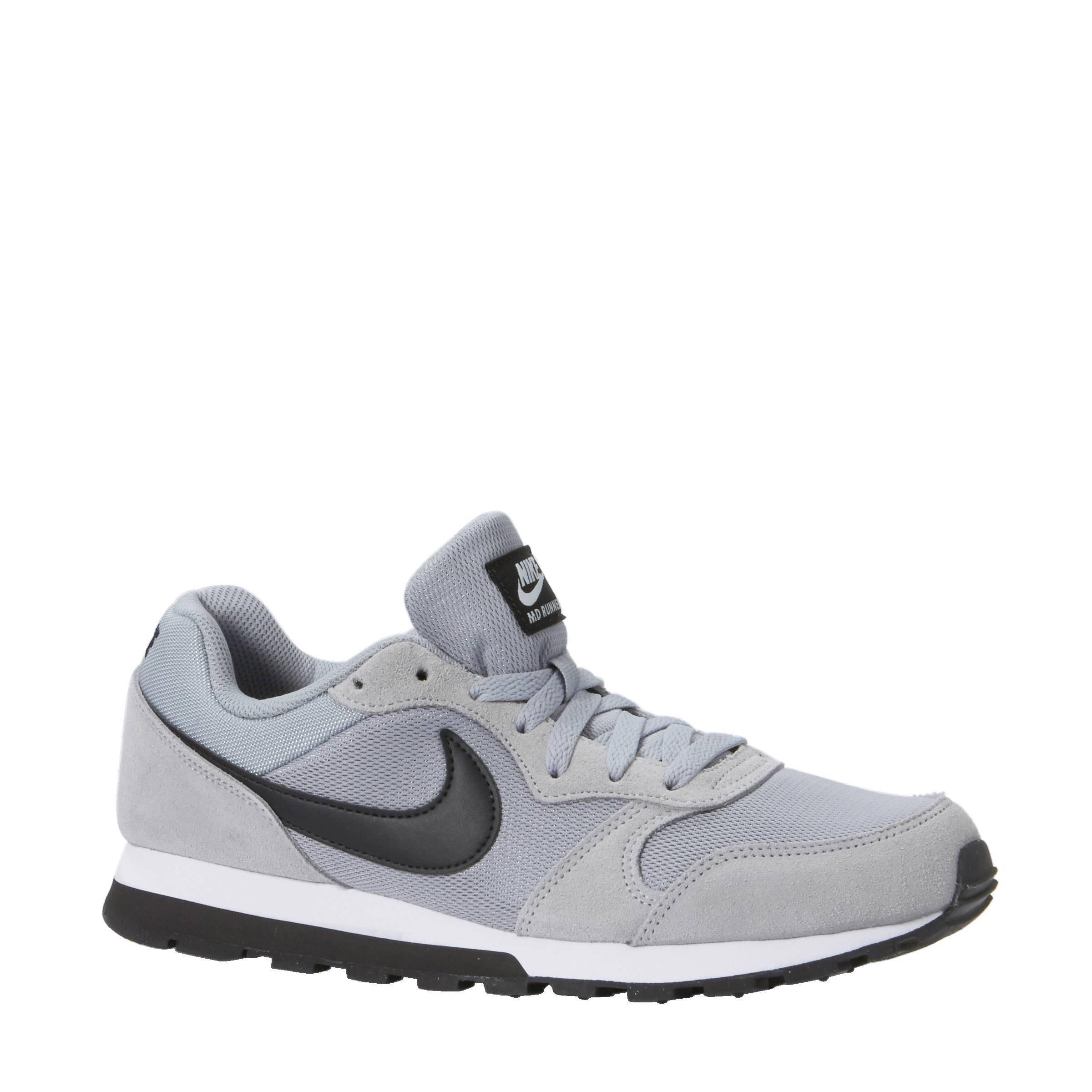 bf4918e6442 Nike Md Runner 2 Heren   Grey Nike Sneakers Md Runner 2 Heren 749794 ...