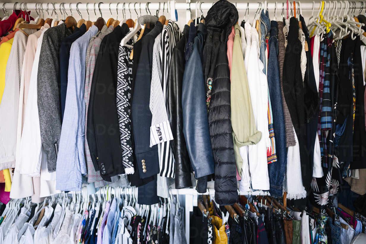 https www westend61 de en imageview jcmf01756 variation of clothes hanging on rack in wardrobe at apartment