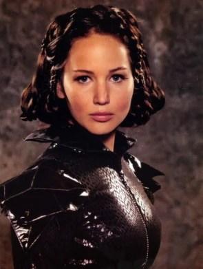 https://i0.wp.com/images.wikia.com/thehungergames/images/3/37/Katniss_tribute_parade.jpg