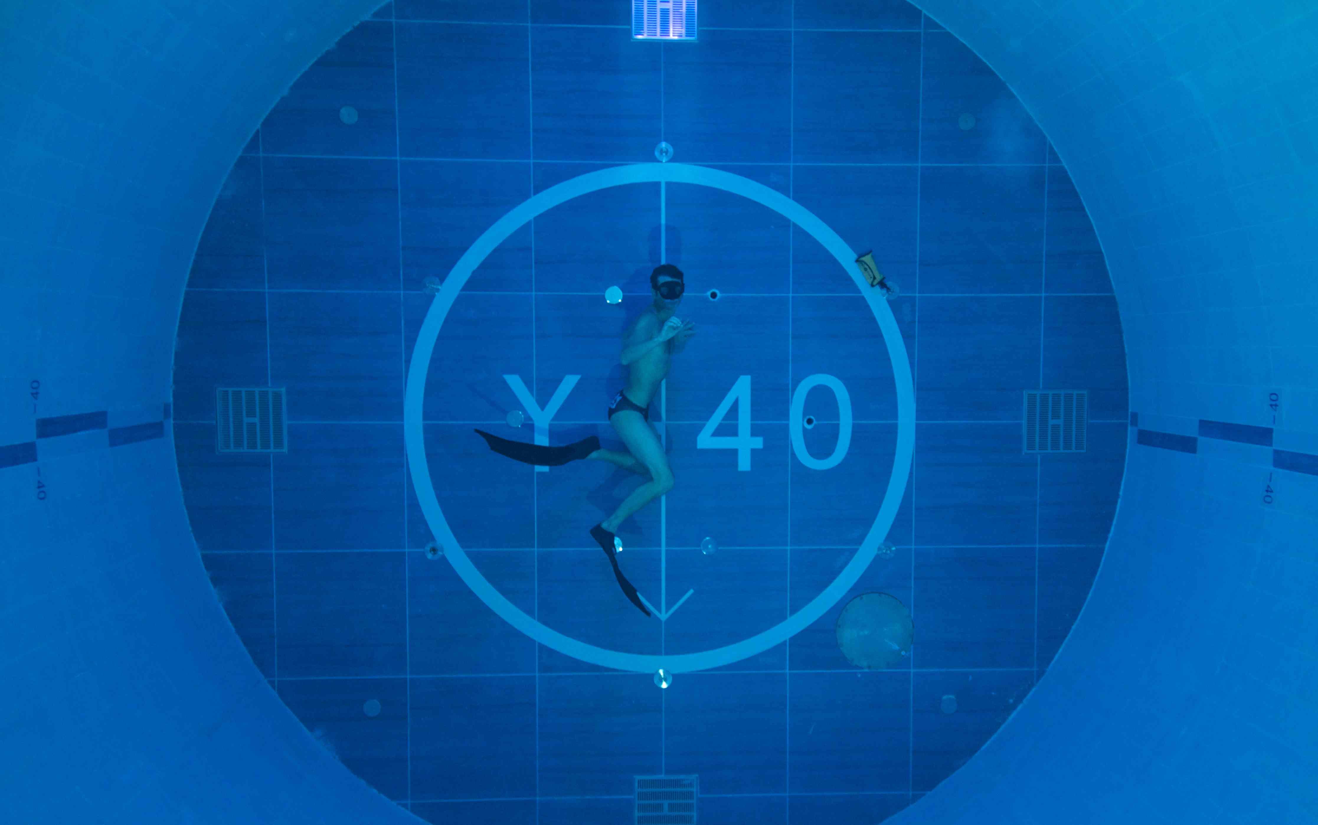 Y40 la piscina pi profonda del mondo  italiana  Wired