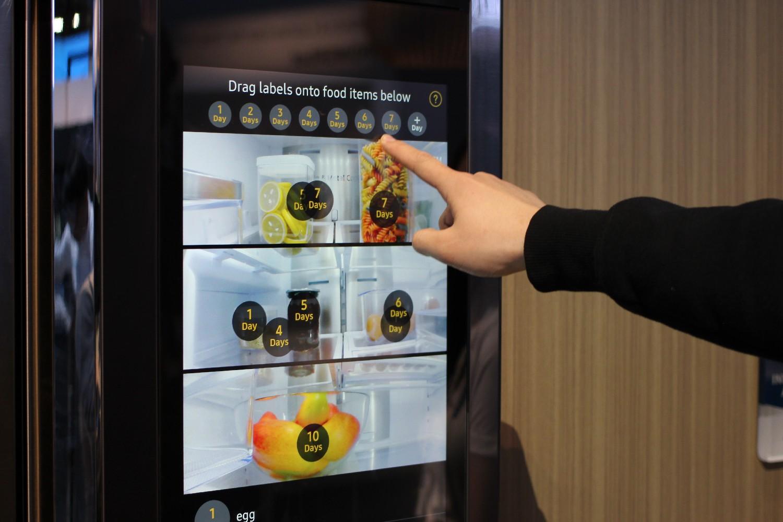 CES 2016 il frigo Samsung permette di far la spesa sul