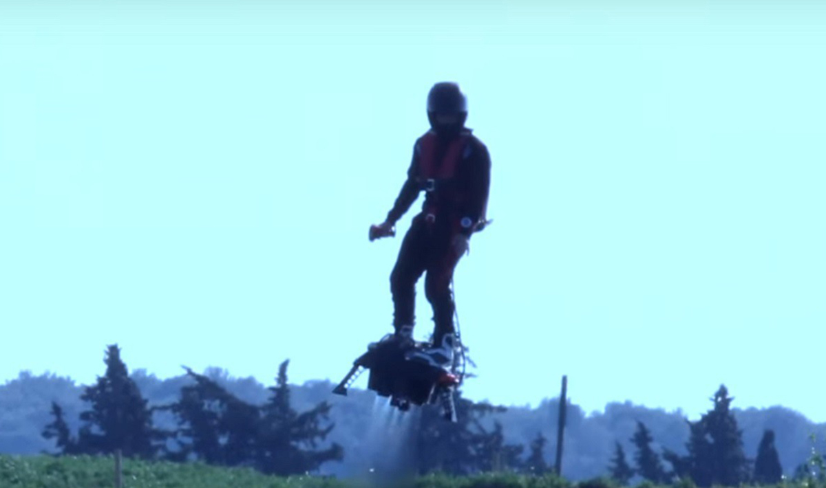 Flyboard Air mezzo drone e mezzo jetpack  Wired