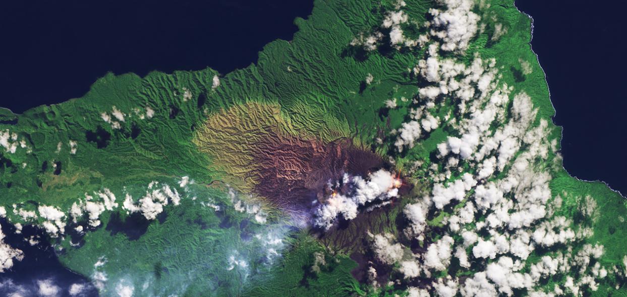 Lisola di Ambrym paradiso del Pacifico ripresa dallo Spazio  Wired