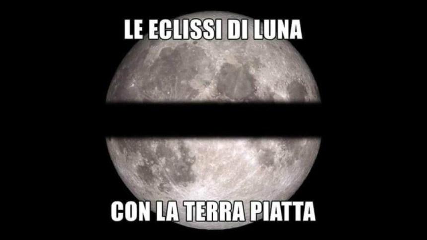 Eclissi Terra piatta