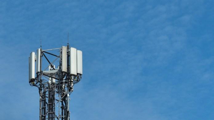 A 5G antenna (photo by Artur Widak / NurPhoto via Getty Images)