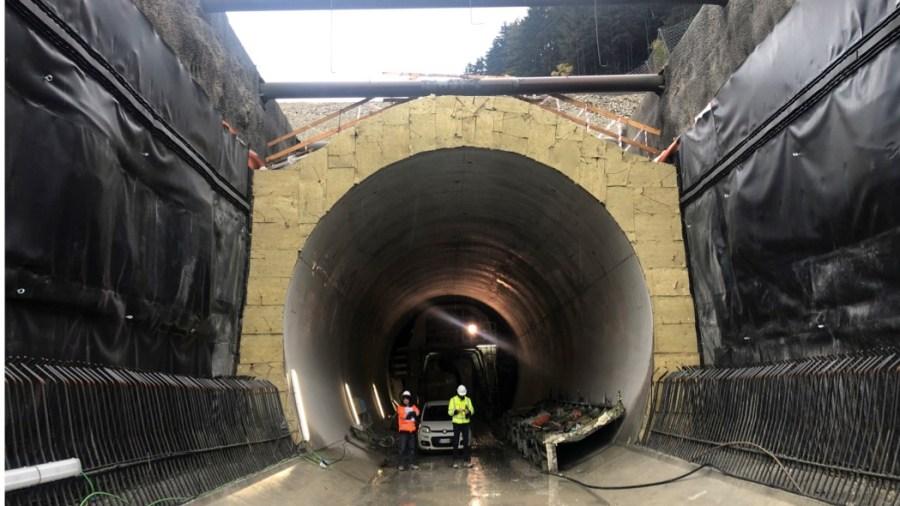 Sottoattraversamento del fiume Isarco nel cantiere del tunnel del Brennero (foto: Webuild)