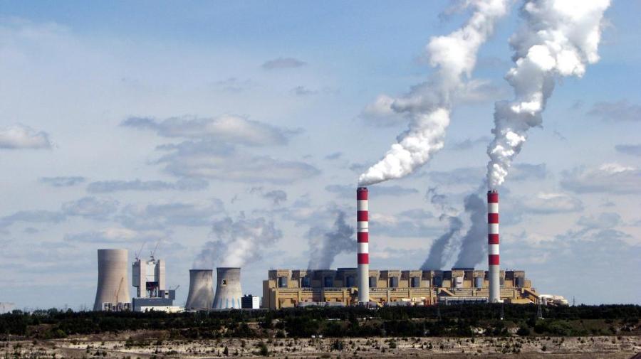 La centrale di Belchatow in Polonia (Wikipedia)