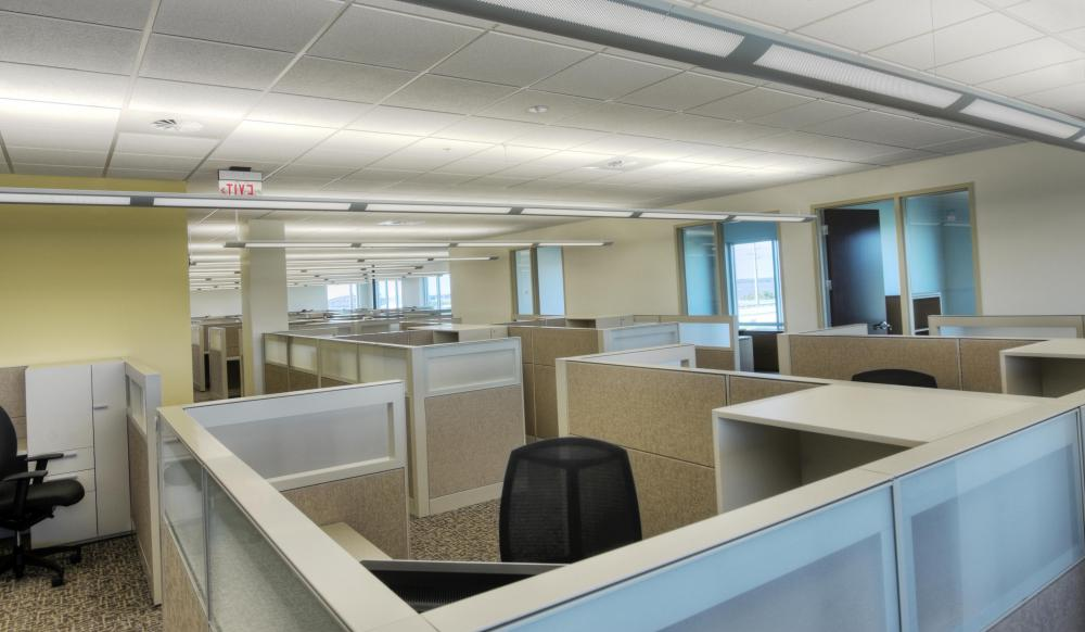How do I Choose the Best Cubicle Configuration with