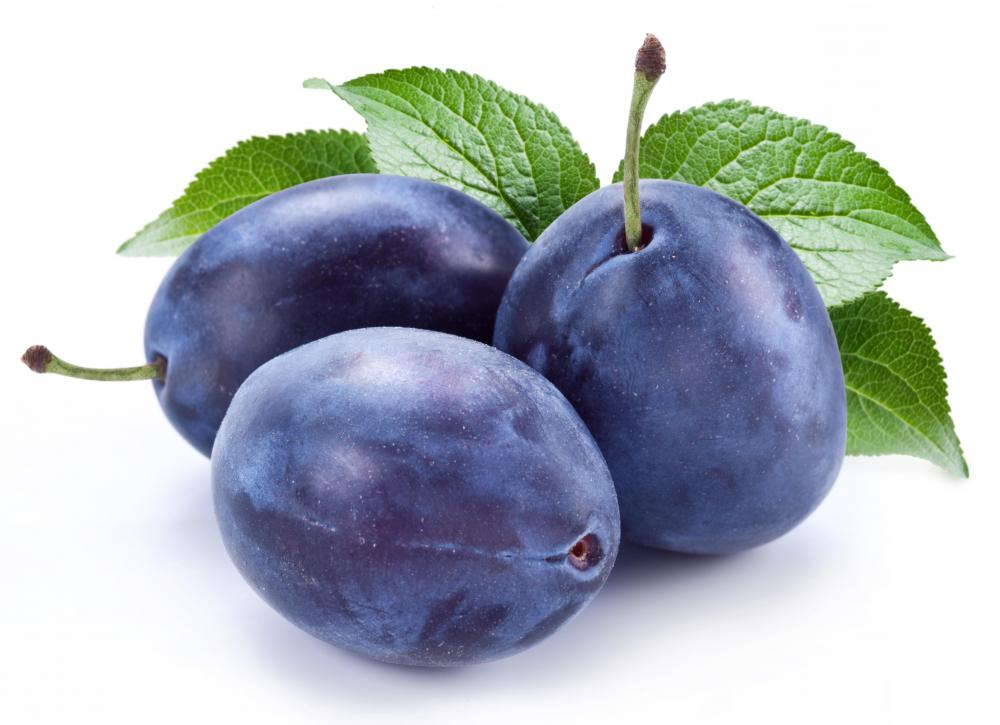 What is a Clingstone Fruit? (with pictures)