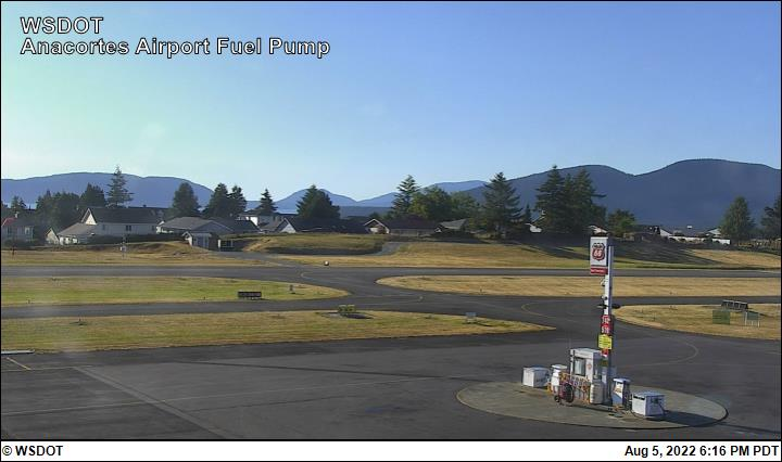Anacortes Airport web cam image enlargement - west view