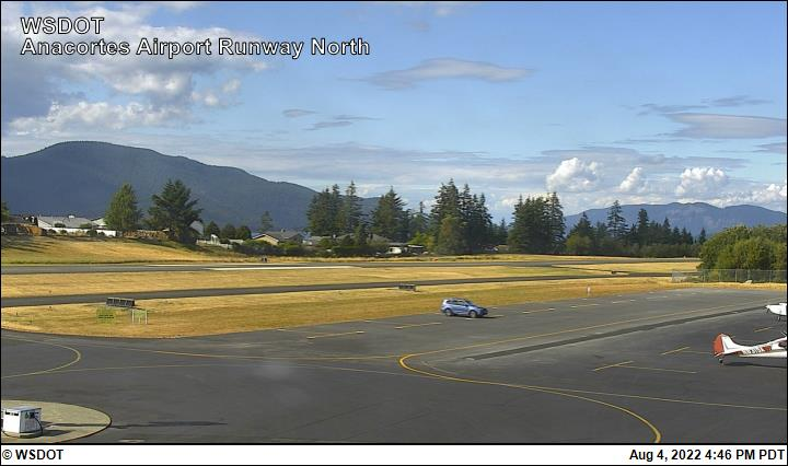 Anacortes Airport web cam image enlargement - north view