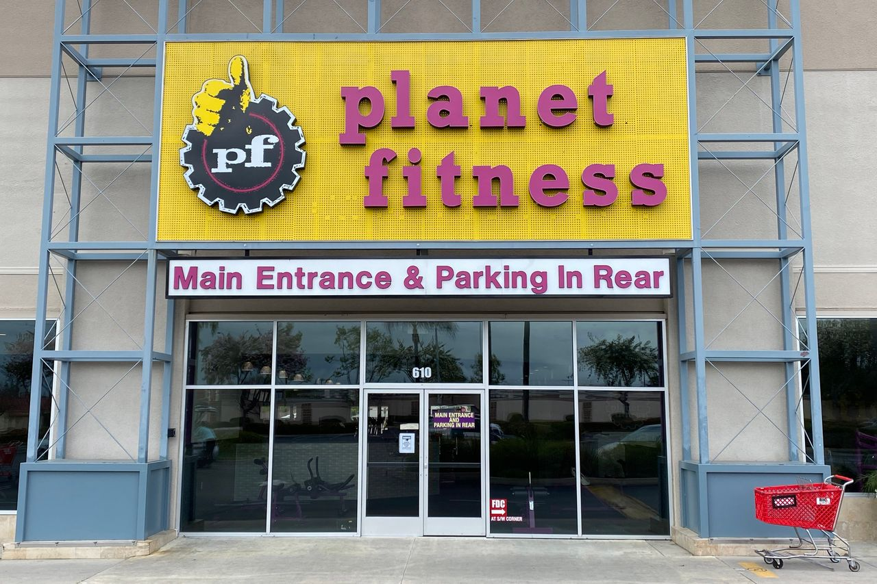 Why Didn T This Gym Chain Fall To Earth Wsj