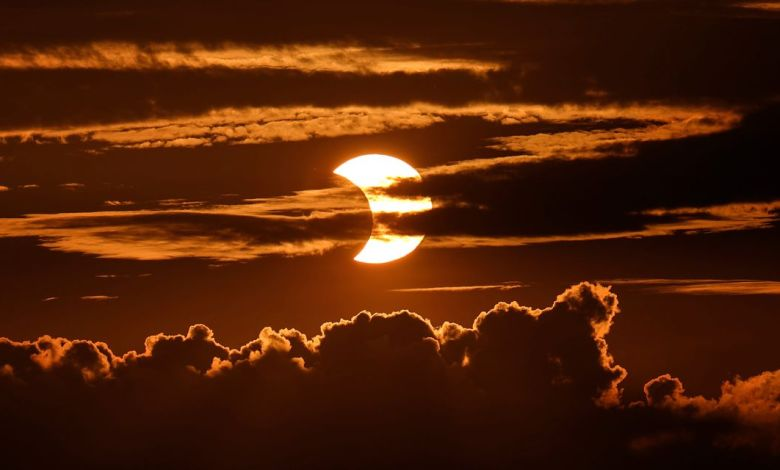 Solar Eclipse Photos: See the 'Ring of Fire' Up Close