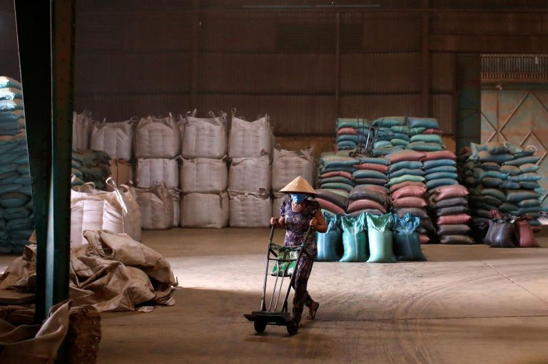 Covid-19 Lockdowns in Asia Deepen Commodity Supply-Chain Pain