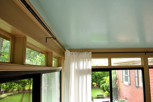 how to hang corner curtain rods