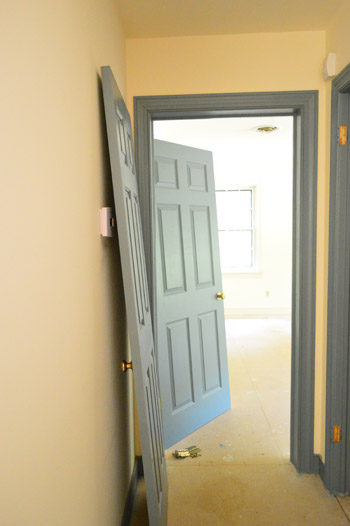 Priming And Painting Our Trim And Doors With A Paint Sprayer & Priming And Painting Our Trim And Doors With A Paint Sprayer   Young ...