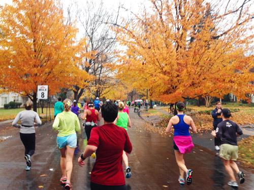mile 8 of richmond half marathon fall leaves