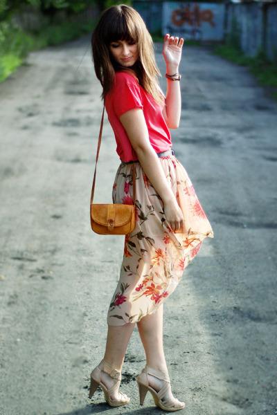 bronze vintage bag - salmon romwe top - beige Love skirt