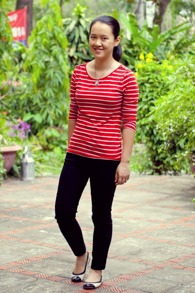 Ruby Red Striped Forever21 Shirts Black Thritfted Pants