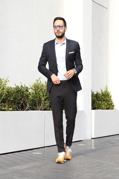 dark gray H&M suit