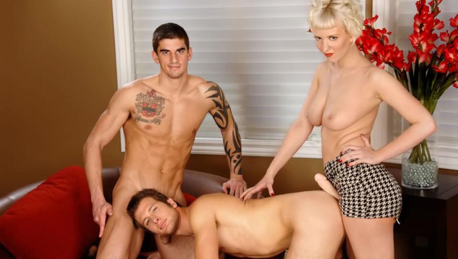 Serie di sorprese   Cherry Torn, Tyler Torro, Spencer Fox (NextDoorHookups.com)