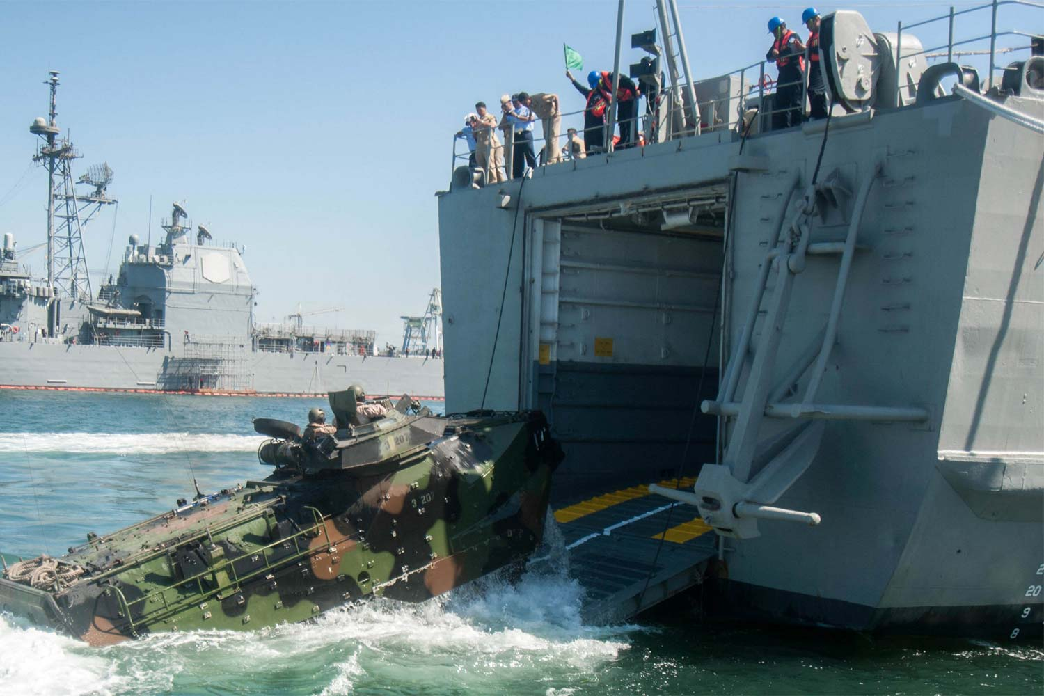 Marines Join Allies to Hone Amphibious Operations at RIMPAC  Militarycom