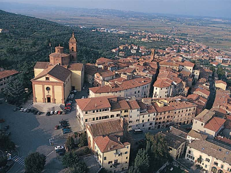 Sinalunga Siena Val dOrcia and Val di Chiana Tuscany  Italy Traveller Guide