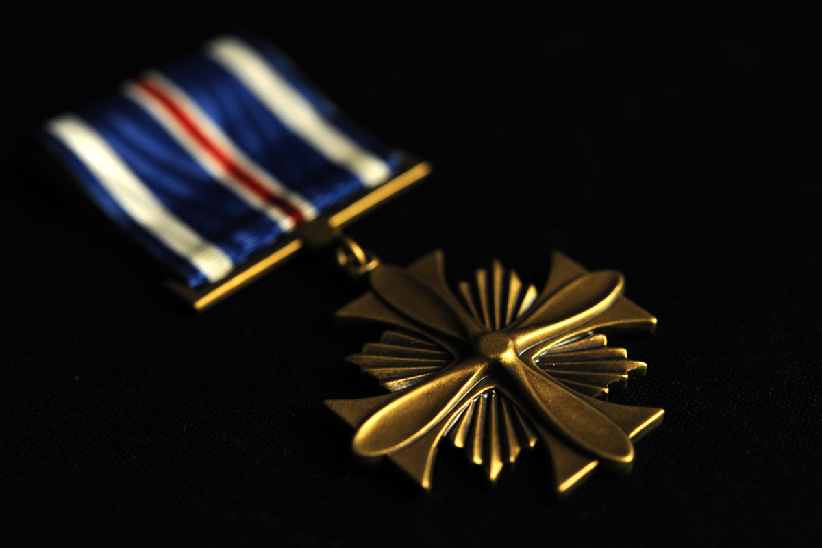 Two Fort Campbell Soldiers Receive Distinguished Flying