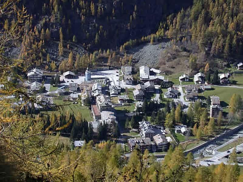 GressoneyLaTrinit Monte Rosa Valle dAosta  Locali d