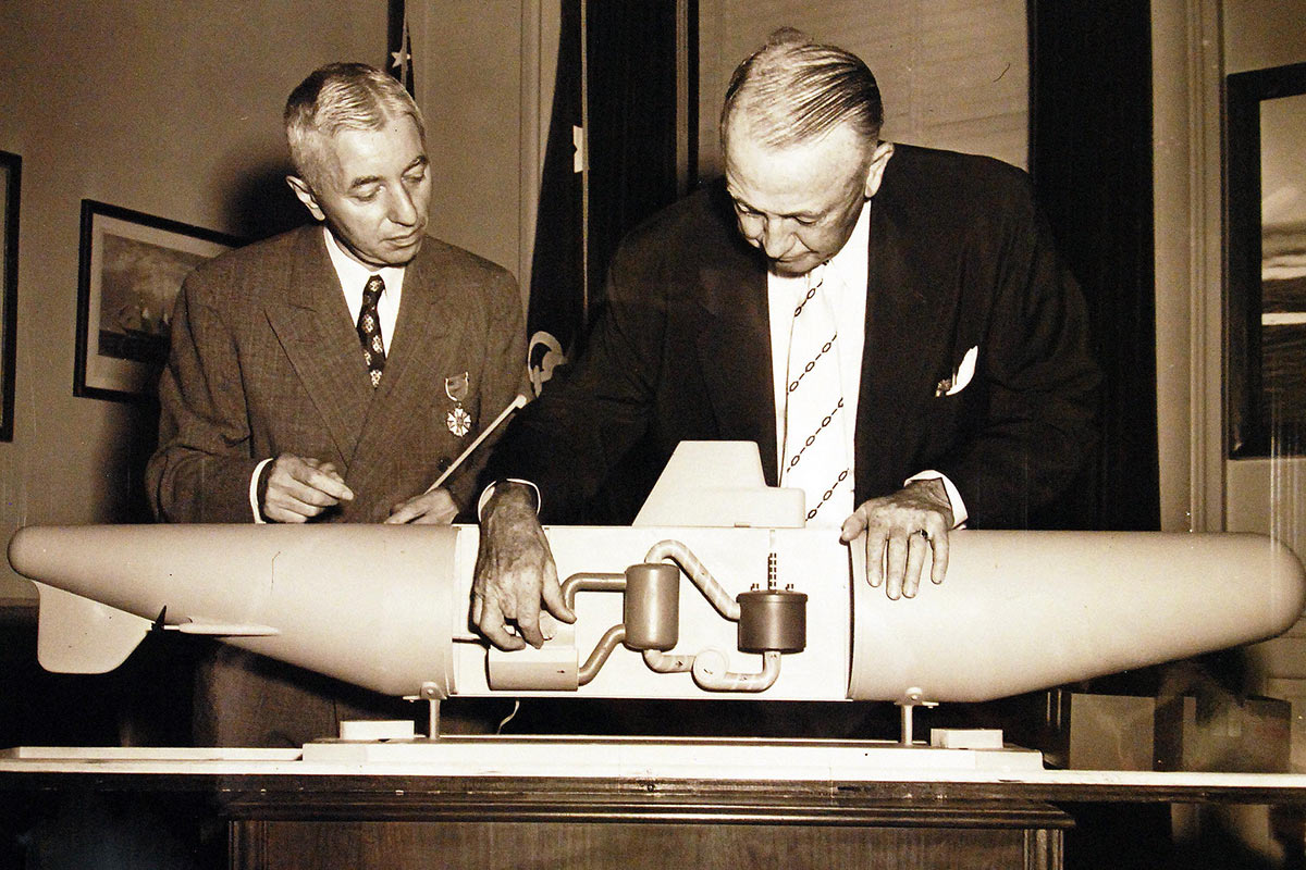 Admiral Hyman G Rickover Taking the Atom Undersea