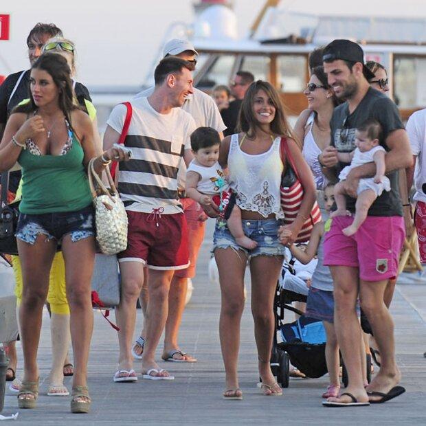 Messi  Fbregas im Urlaub mit den Kleinen