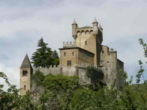 SaintPierre Gran Paradiso Valle d39Aosta Locali d39Autore