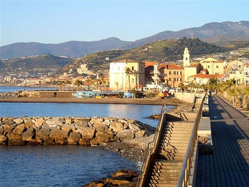 Santo Stefano al Mare Riviera dei Fiori Liguria  Locali d