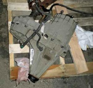 NP246 GM TRANSFER CASE & FRONT DIFFERENTIAL off a 2003 Chevrolet Silverado 2500 for Sale in