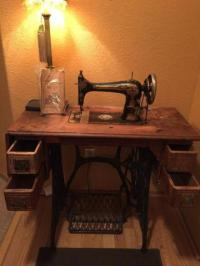 1800s Singer Sewing machine and cabinet for Sale in Spring ...