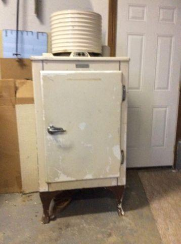 1930s GE Antique Refrigerator for Sale in Ballardsville Kentucky Classified  AmericanListedcom