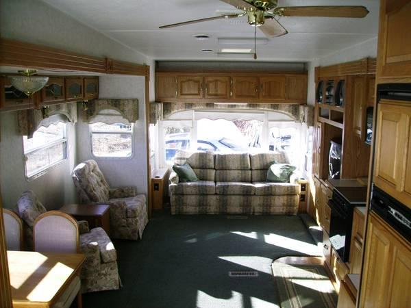 2000 SIGNATURE RV model 36KS 37ft 3slide 5th wheel  for Sale in Maggie Valley North