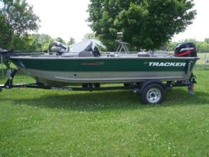 2000 Tracker Pro Deep V16 boat for Sale in Denver