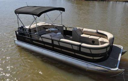 2015 Bentley Cruise 243 tritoon pontoon boat 150 HP for