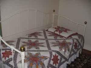 Antique Day Bed Wtrundle Ozark For Sale In