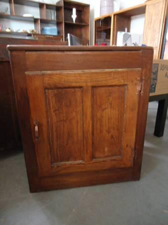 Antique Wood Ice Box  for Sale in Denver Rhode Island