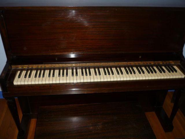 Bradbury Upright Piano For Sale In Milwaukee Wisconsin
