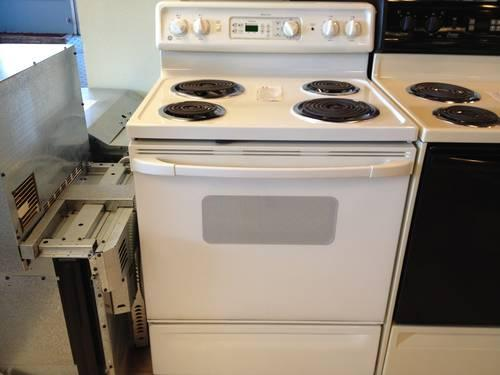 GE Spectra White Electric Range Stove Oven  USED for Sale in Tacoma Washington Classified