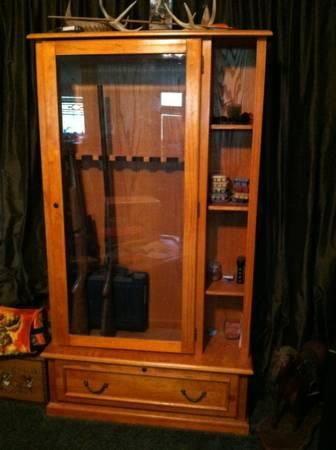 HuntingDeer stands  Gun Cabinet for sale  for Sale in