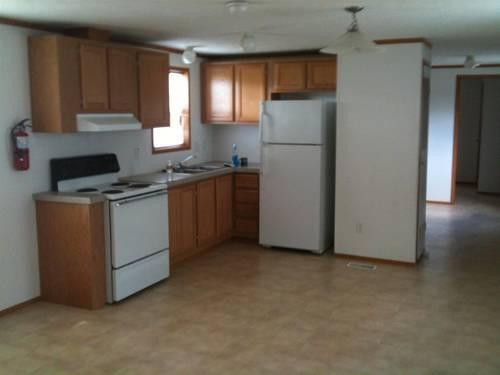 Like New 2006 Redman Mobile Home  14 x 60 3 bedroom 1 bath for Sale in Orange Texas